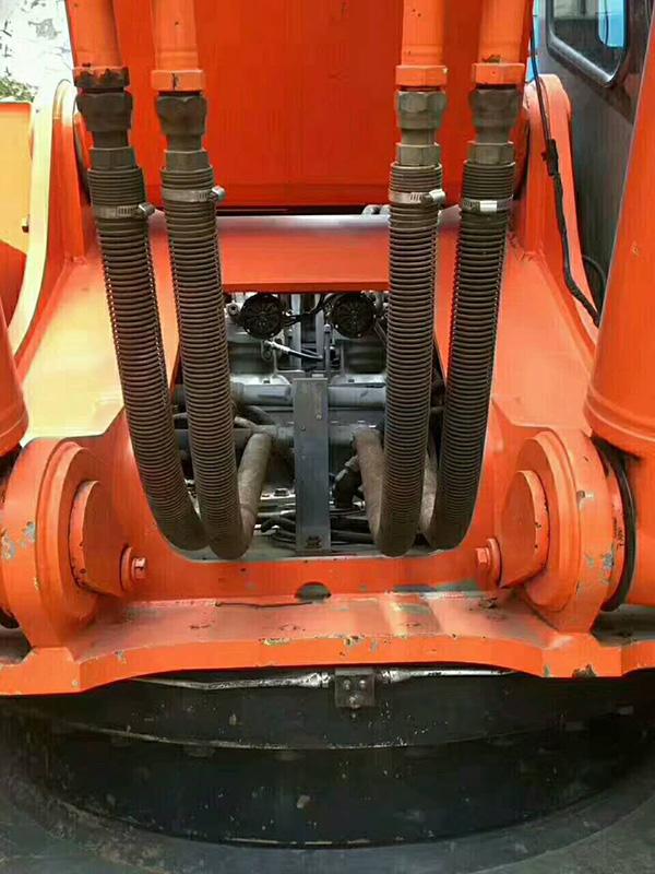 盐边县挖掘机维修中心