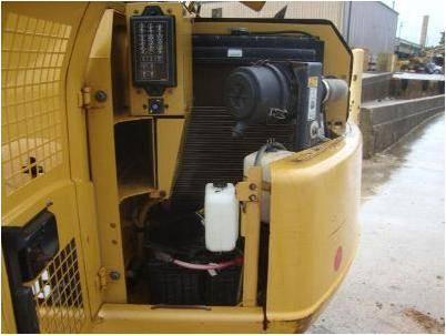 挖掘机维修与你分享,定期维修保养挖掘机的一些注意事项