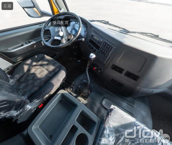 XCT20L5驾驶室内部全景