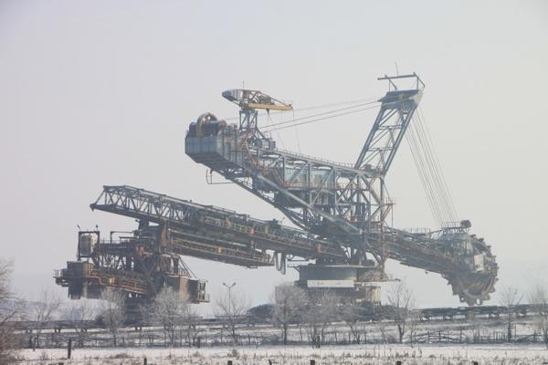 日立挖掘机ZX机器较EX-5机器发动机机油消耗量多,如何进行说明?