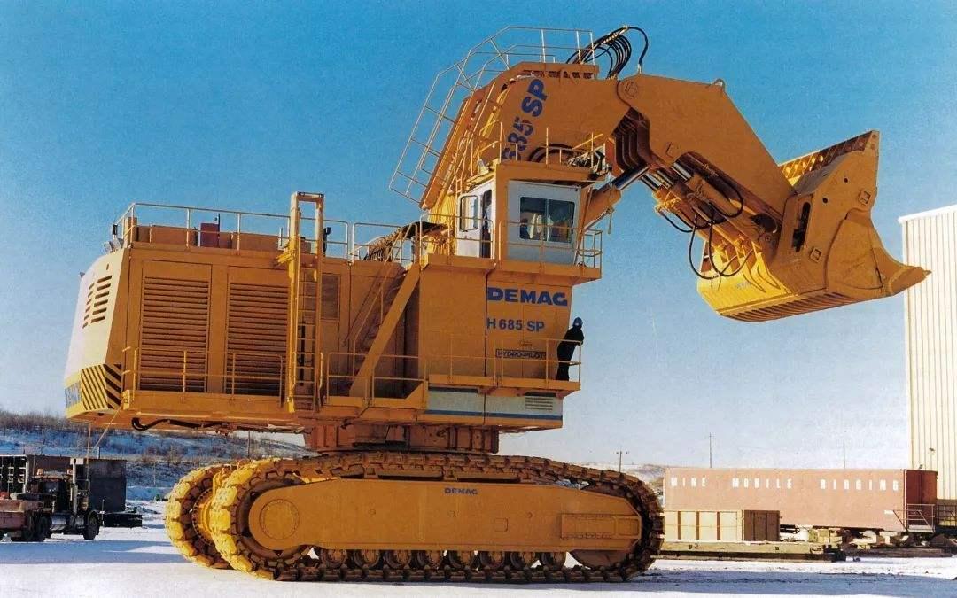 矿用挖掘机